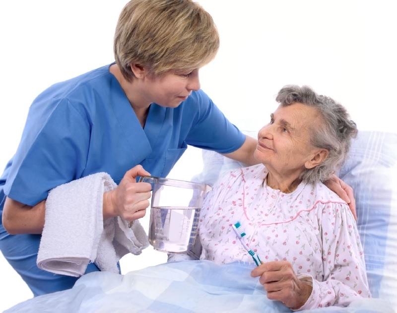 Uy tín số 1 cho dịch vụ chăm sóc người bệnh tại Công ty giúp việc nhà Thiên Phúc