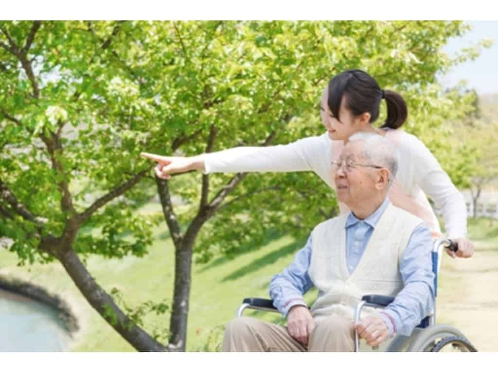 Dịch vụ chăm sóc người già chất lượng, hiệu quả, đáng tin cậy